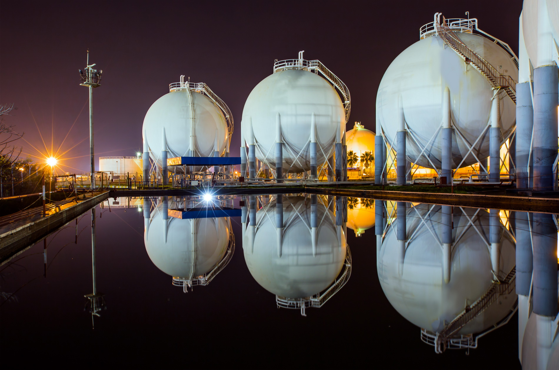 Natural gas and LNG prices, markets and analysis